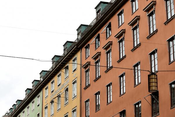 Hållbar fasadrenovering för bostadsrättsförening i Stockholm